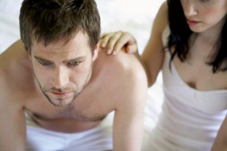 """Hiçbir heyecan yoksa:  • Orgazm taklidi yaptığımı kesin anladı, bari ona """"O kadar da kötü değildin"""" diyeyim de morali yerine gelsin, ne de olsa eşim / sevgilim!   • Artık ne istediğimi söyleme vakti, dayanamıyorum artık bu rutinliğe! Neyse en iyisi uykuya dalayım..."""